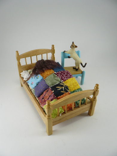 patchwork-bed-cat-1